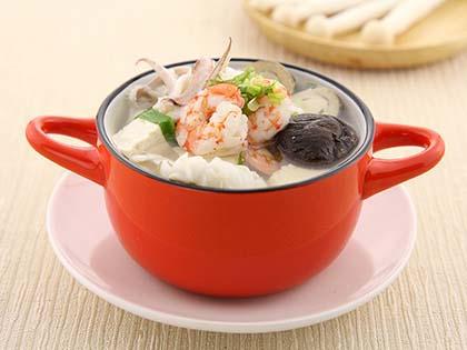 砂锅豆腐海鲜煲