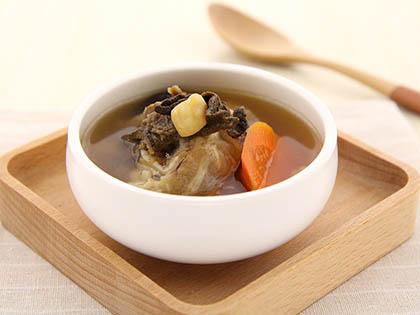 萝卜干贝猪蹄汤