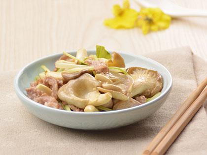 袖珍菇西芹炒肉片
