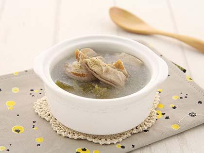 酸菜猪肚汤