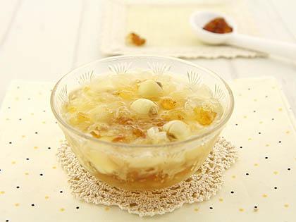 桃胶莲子汤