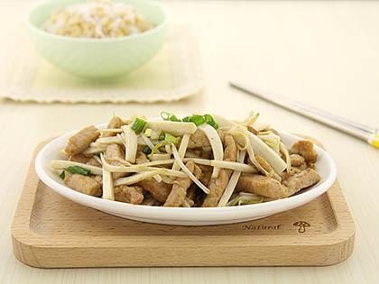 豆芽杏鲍菇炒肉丝