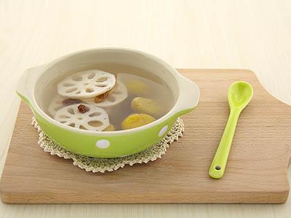 莲藕栗子甜汤