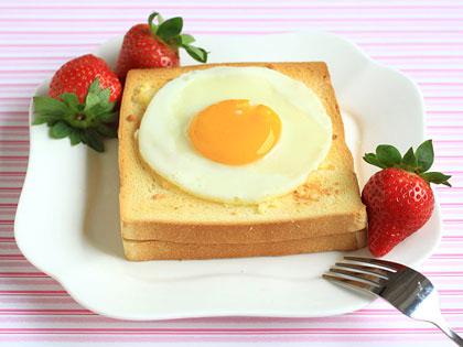 太阳蛋吐司三明治