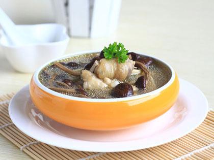 茶树菇鸡肉汤