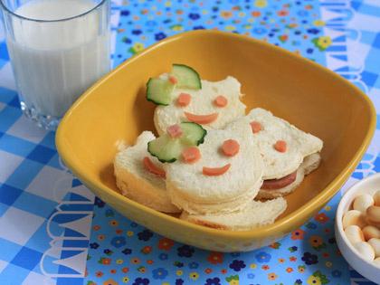 可爱的三明治早餐