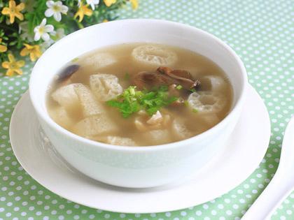 鲜美草菇竹笙汤