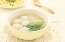 冬日暖心厨房 芙蓉鲜蔬丸子汤