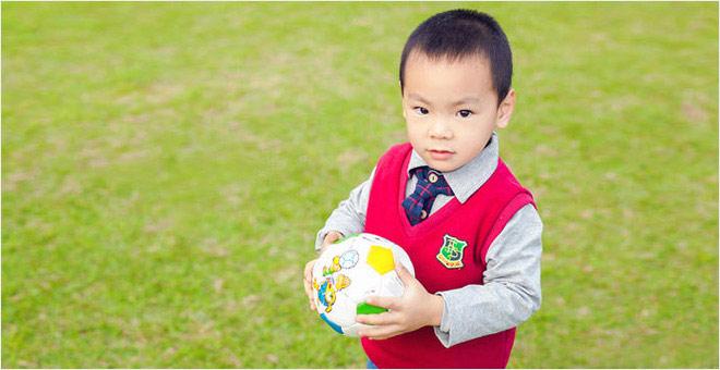 足球少年 驰骋绿茵赛场
